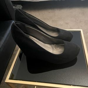 Fergie wedge shoes